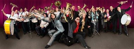 Účastníci Balkan Brass Battle: Fanfare Ciocarlia a Boban i Marko Marković Orkestar