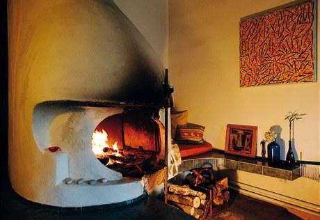 Krb se výborně hodí na pálení pařezů, které se nepovedlo rozseknout ani rozřezat. Zato hoří dva dny.