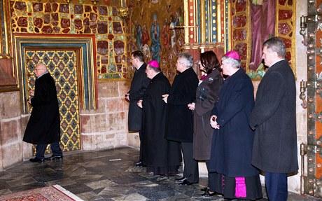 Ve Svatovítské katedrále se sešlo sedm držitelů klíčů od Korunní komory.