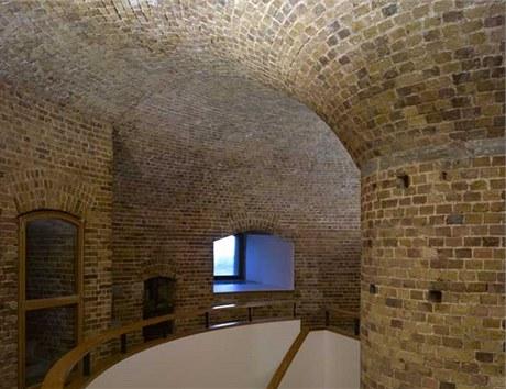 Stavba získala loni na jaře prestižní ocenění RIBA East Award. Letos na jaře se do věže budou konečně moci nastěhovat majitelé