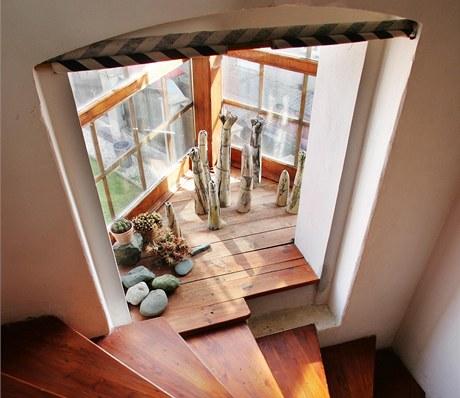 Skleníková okna dodávají bytu zajímavou atmosféru