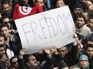 Tuniským hlavním městem zmítají už několik týdnů nepokoje (14. ledna 2011)