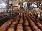 Hrnčířská dílna v Twante vyrábí i filtry na vodu