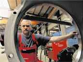 Společnost Hopax z Červenky na Litovelsku získala zakázku na speciální podvozky pro přepravu nadměrných nákladů.