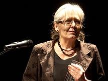 Ceny filmové kritiky 2010 - dokumentaristka Helena Třeštíková s cenou za film Katka