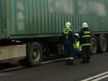 Kamion po nehodě u Třebechovic pod Orebem
