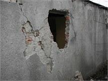 Zloděj se v Přerově do garáže proboural skrz zeď.