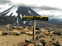 Sopka Ngauruhoe je vrcholem celodenní túry Tongariro crossing v srdci Severního ostrova.