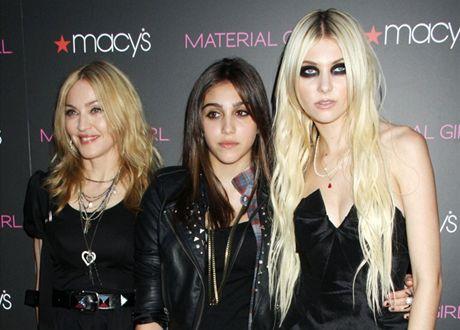 Madonna s dcerou Lourdes a tváří značky Material Girl Taylor Momsenovou