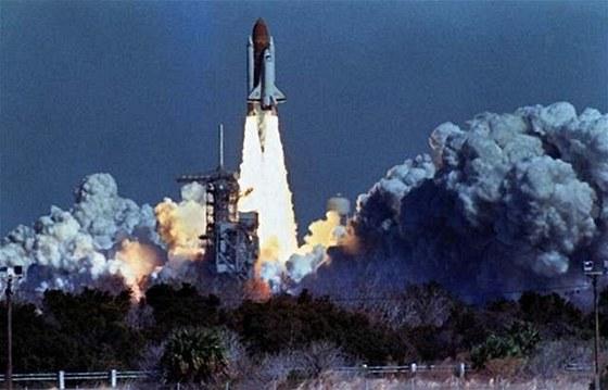 Raketoplán Challenger startuje z Kennedyho vesmírného střediska