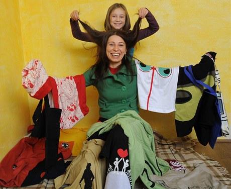 Daniela Boušová začala šít, když byla s dcerou na mateřské