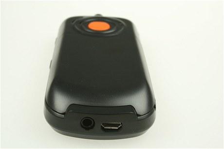 Konektor pro sluchátka, který není k čemu použít