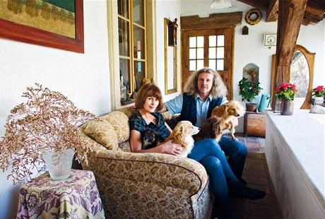 Jaroslava Pecharová a F. A. Brabec strávili s rekonstrukcí mlýna pět let