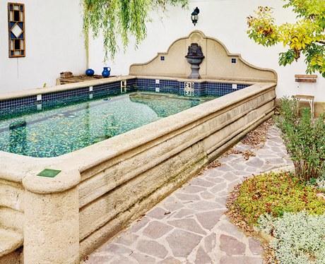 Beton dokonale imituje přírodní pískovec