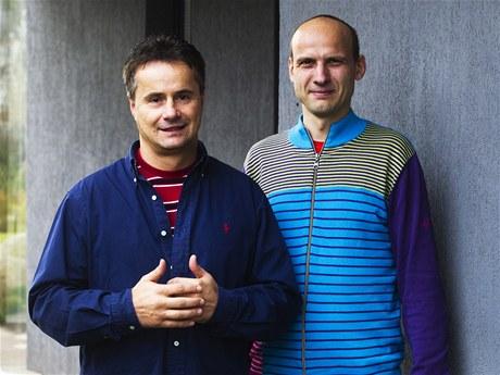 Majitel domu Jan Pr�cha (vlevo) a architekt Jaroslav Za�ko