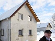 V Hrádku nad Nisou byly předány dva povodňové domky novým majitelům
