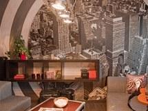 Fotografie New Yorku nahradila v pokoji původní obrázky