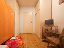 Skříně si přála majitelka v ložnici umístit na stejné místo