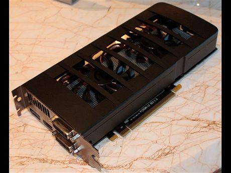EVGA GeForce GTX 595