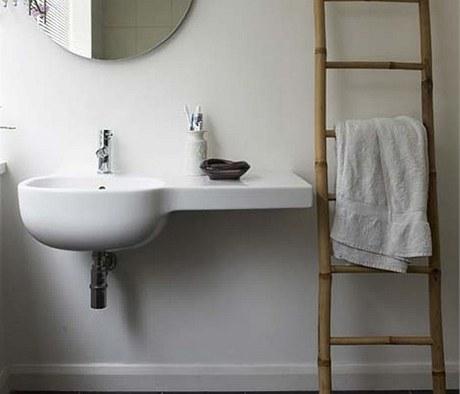 Ide�ln� �eb��k v koupeln� je z bambusu