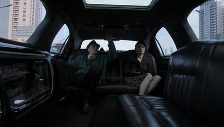 Z natáčení filmu Czechmademan: v téhle limuzíně seděl před Budařem a  spol.  už jen Tom Cruise