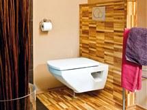 Do velké koupelny se vešla také toaleta