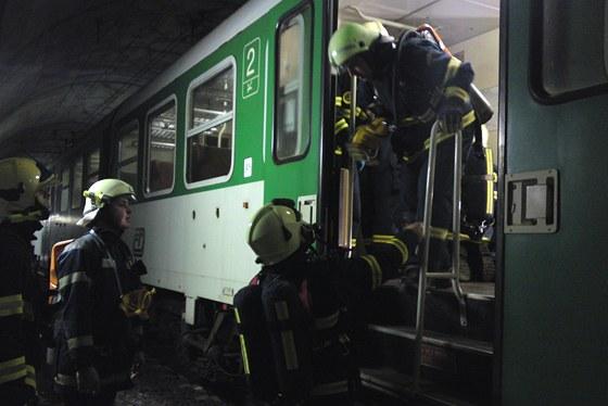 Cvičení zásahu u nehody a požáru vlaků v tunelu Krasíkov