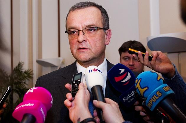 Ministr financí Miroslav Kalousek se pochlubil s rozklí�ováním kauzy Promopro. (17. února 2011)