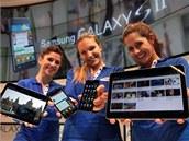"10"" tablet Samsung Galaxy Tab a mobil Samsung Galaxy S druhé generace"