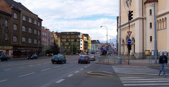"""Studie nového """"zlatého domu""""  v Plzni na Belánce - pohled směrem z Chodského náměstí"""