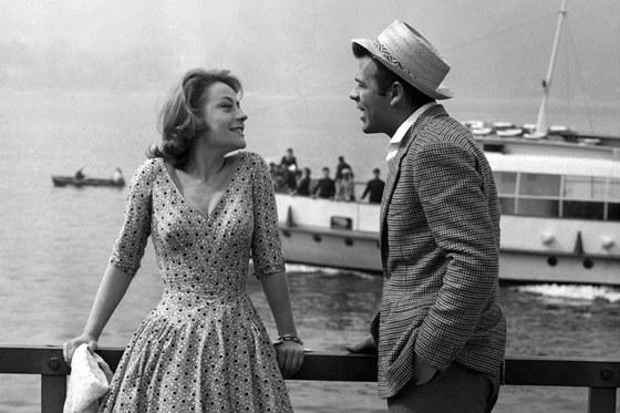 Annie Girardotová a Renato Salvatori ve filmu Rocco a jeho bratři (1960).