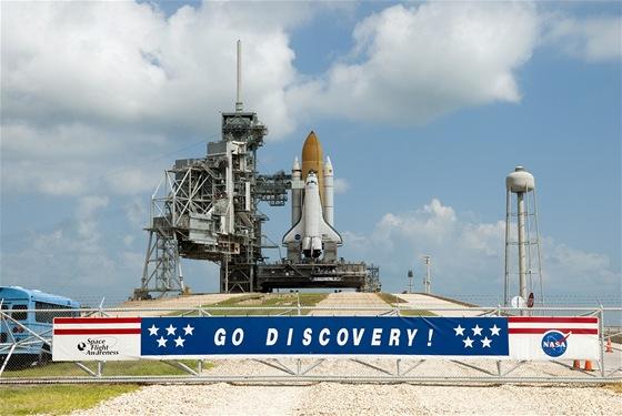 Raketoplán Discovery na startu ke své poslední misi (24.2.2011)