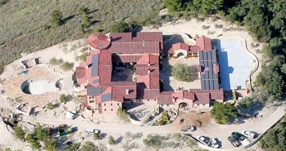 Dům Clinta Eastwooda stojí na pozemku, který má plochu sedm akrů