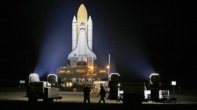 Americký raketoplán Discovery.