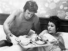 Annie Girardotová a Jean Paul Belmondo ve filmu Muž, který se mi líbí (1969).