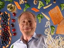 Raymond Kurzweil se kromě počítačů věnuje také zdravé výživě. Ve svých knihách popisuje komplikovaný zdravý režim plný sportu, výživových doplňků, ovoce a zeleniny.