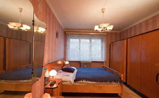 Původní ložnice s  parketami