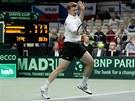 Kaza�ský tenista Andrej Golubjov p�i ned�lní dvouh�e.
