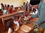 Smyslem skládačky je, aby každé dítě dostalo vlastní obrázek. Vzhledem k tomu, že v každé skládačce je jich osm, může se dostat až na 120 tisíc školáků.
