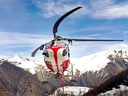 Taxi přelet helikoptérou mezi francouzskými středisky Les2Alpes a Alpe d´Huez.