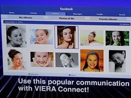 Kromě Twitteru, Picasy, YouTube, Skypu nabídnou plazmy i Facebook.
