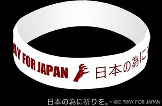 Náramek, který navrhla Lady Gaga na pomoc obětem tsunami v Japonsku