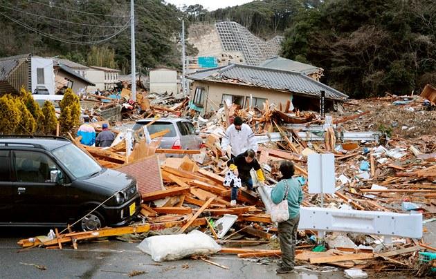 Japonské město iwaki zasáhlo silné zemětřesení 11 března