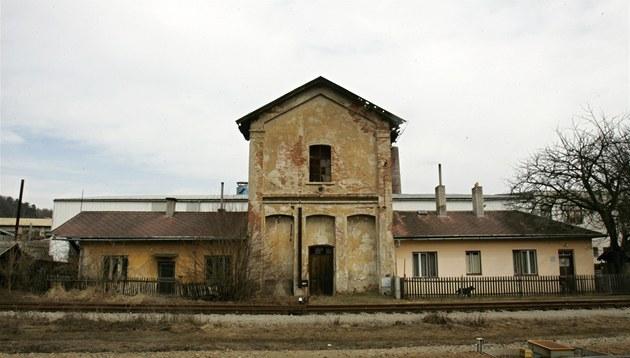 Budova nádra�ní vodárny v Zastávce u Brna je na prodej.