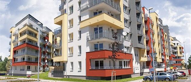 Nejvíce nových obyvatel p�ibylo v Praze 13. Zde se toti� v posledních letech hojn� staví nové byty. Nejvíce na Zli�ín� a u stanice metra Stod�lky.