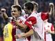 GÓLOVÁ OSLAVA. Fotbalisté Slavie se radují z branky, kterou vst�elil Luká� Jarolím (vlevo).
