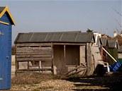 Původní majitel se o letní obydlí nestaral roky, kvůli jeho nezájmu se chatka rozpadla.
