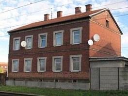 �esk� dr�hy prod�vaj� i bytov� d�m ve Vranovic�ch. Jeho cena je stanovena na 1 300 tis�c korun.