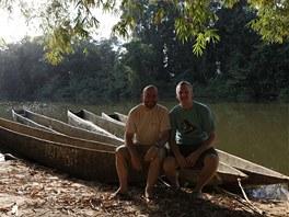 Ředitel pražské zoo Miroslav Bobek s primatologem Thomasem Breuerem