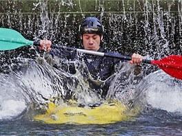 Vodácké otevírání Tiché Orlice se v Chocni uskutečnilo akcí Choceňský buben, při které si to vodáci s kajaky namíří z dvoumetrového jezu.